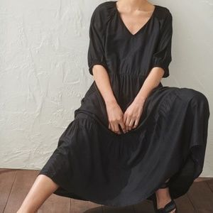 H&M  V Neck Puff Sleeve Dress Size M